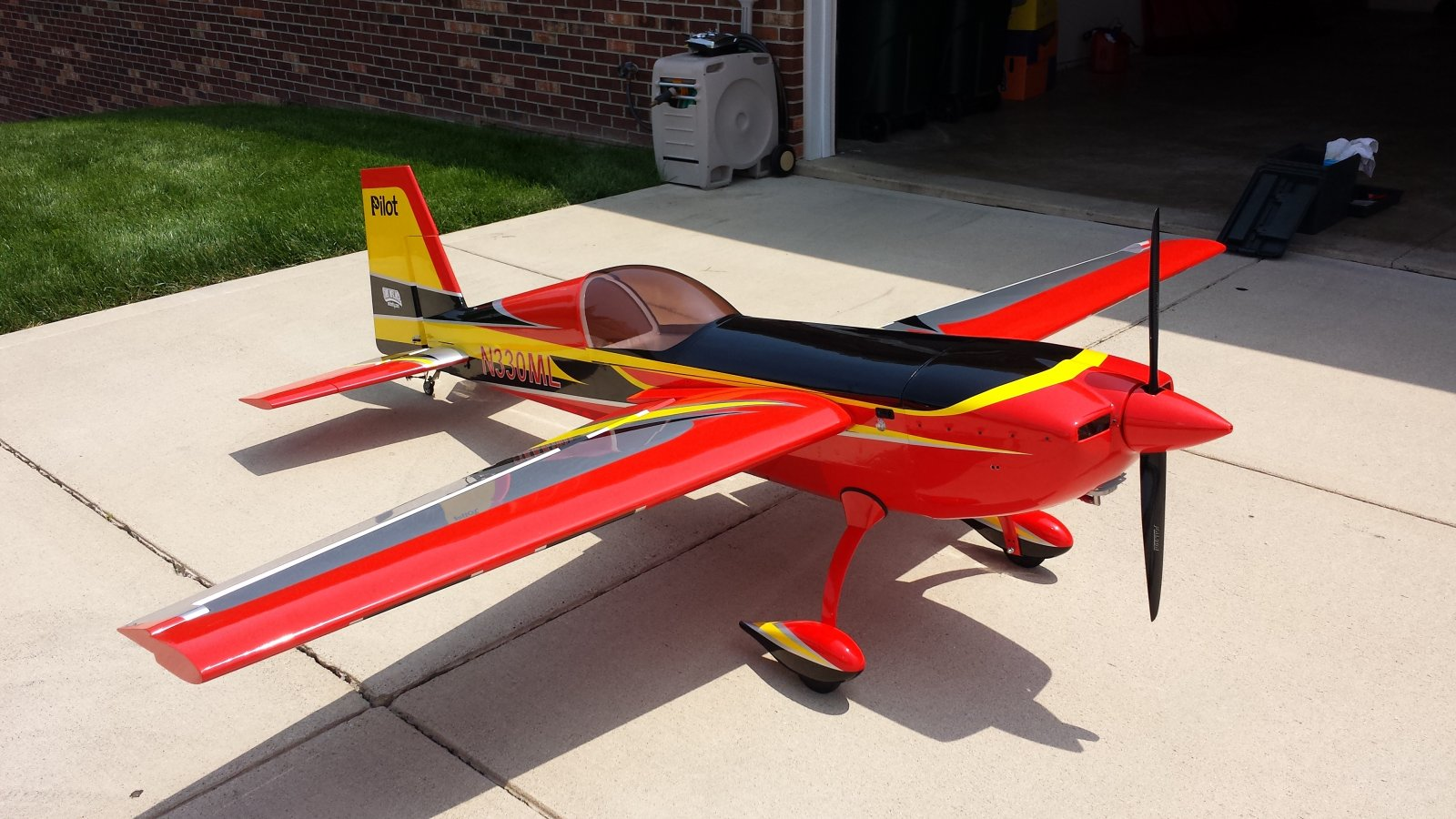 The Pilot RC Extra 330 SC Aircraft | GiantScaleNews com